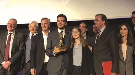 Vainqueurs du concours d'éloquence de l'ADELY et le jury