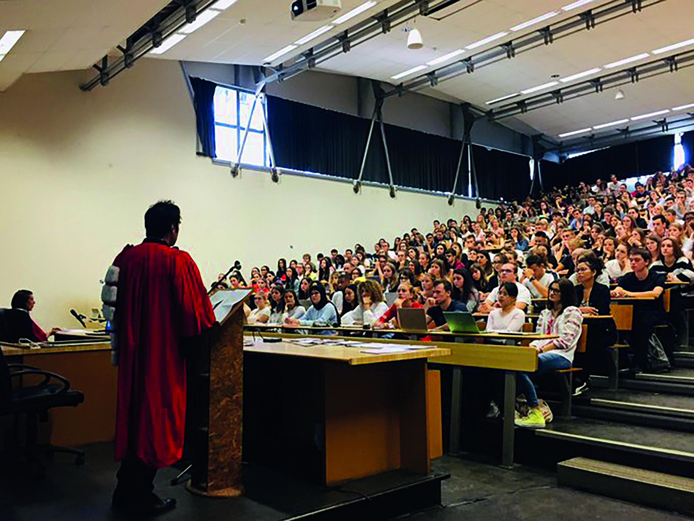 Conférence de renrtrée donnée aux 1300 nouveaux étudiants en première année de licence